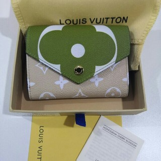 LOUIS VUITTON - 極美品 LOUIS VUITTON 折り財布