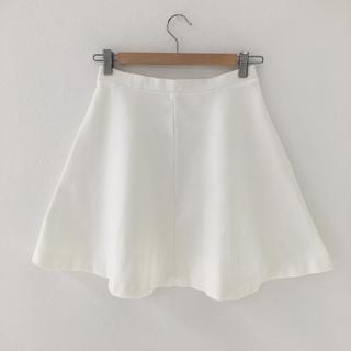 ユニクロ(UNIQLO)の♡膝丈スカート♡白♡(ひざ丈スカート)