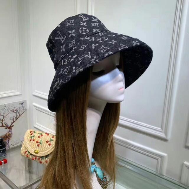 LOUIS VUITTON(ルイヴィトン)のルイヴィトン バケットハット  レディースの帽子(麦わら帽子/ストローハット)の商品写真