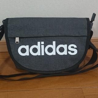 adidas - adidasのショルダーバッグ