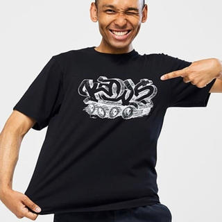 ユニクロ(UNIQLO)のUNIQLO ユニクロ カウズ  コラボUT グラフィックTシャツ(Tシャツ/カットソー(半袖/袖なし))