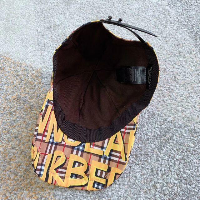 BURBERRY(バーバリー)のBURBERRY☆バーバリー グラフィティ キャップ 男女兼用 メンズの帽子(キャップ)の商品写真