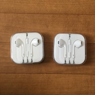 アップル(Apple)のiPhone イヤフォン 純正(ヘッドフォン/イヤフォン)