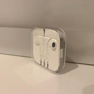 アップル(Apple)のiPhone イヤホン 新品未使用(ヘッドフォン/イヤフォン)