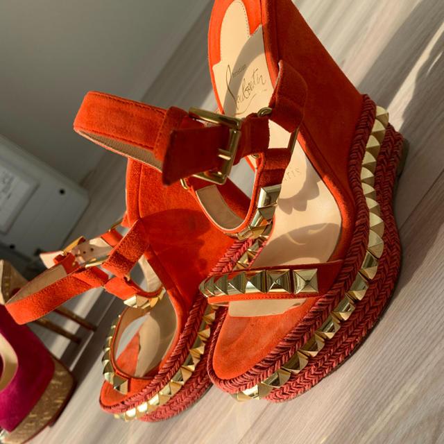 Christian Louboutin(クリスチャンルブタン)のルブタン レディースの靴/シューズ(ハイヒール/パンプス)の商品写真