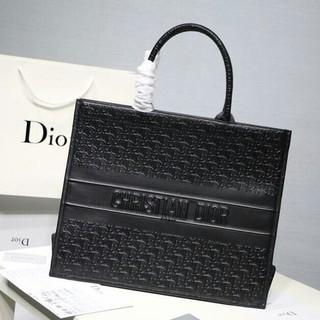 ディオール(Dior)のDior Book Tote ディオール  ブックトート レディースバッグ(トートバッグ)