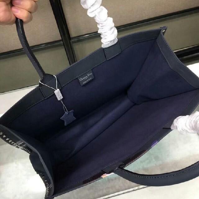 Dior(ディオール)のディオール ブックトート レディースバッグ レディースのバッグ(トートバッグ)の商品写真