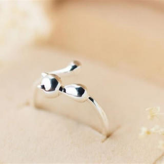 かわいい ネコ リング レディース 指輪 光沢 シルバー(リング(指輪))
