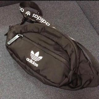 アディダス(adidas)のアディダスオリジナルス ウエストポーチ ウエストバッグ ボディバッグ バック(ボディバッグ/ウエストポーチ)