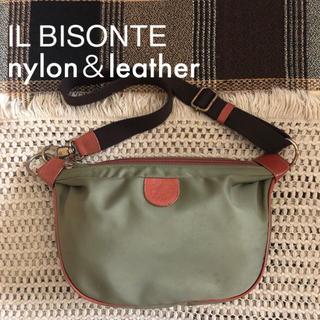 IL BISONTE - カーキ♡価格約4万♡イルビゾンテ♡ナイロン ボディバッグ ショルダー♡グリーン