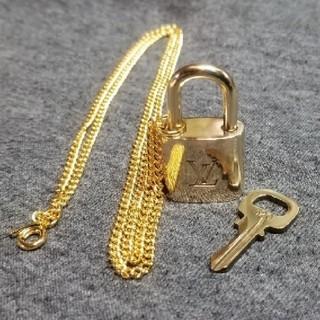 ルイヴィトン(LOUIS VUITTON)のルイヴィトン パドロック カデナ 南京錠320(ネックレス)