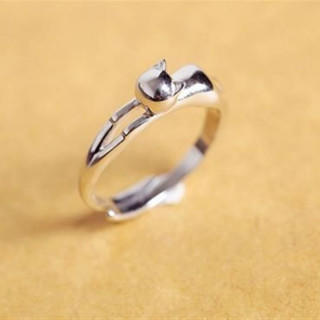 ネコ レディース リング 指輪 かわいい シンプル 光沢 シルバー(リング(指輪))
