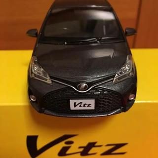 トヨタ - Vitz  1/30 ミニカー