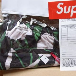 シュプリーム(Supreme)のSupreme Nylon Water Short Black Floral S(ショートパンツ)