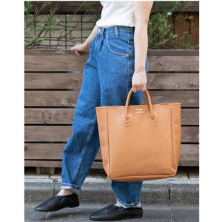 URBAN RESEARCH - YOUNG&OLSEN EMBOSSED レザートートバッグ ブラウン