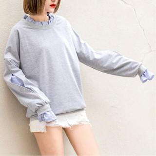 重ね着風 トレーナー×ストライプシャツ 襟・袖フリル 個性派【グレー】(トレーナー/スウェット)