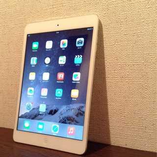 Apple - 他にも色々出品しています iPad mini Apple アップル 白 1