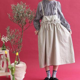 シャンブルドゥシャーム(chambre de charme)のC/Ten製品染め/デニム  ウエストフリル吊りスカート(ひざ丈ワンピース)