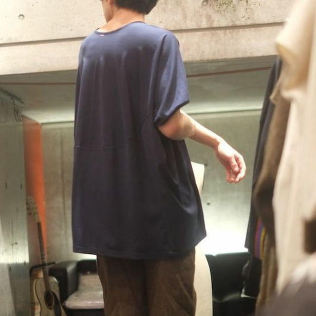 Dulcamara(ドゥルカマラ)のka na ta  kichimu cut saw navy メンズのトップス(Tシャツ/カットソー(半袖/袖なし))の商品写真
