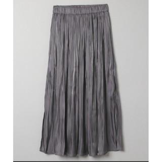 JEANASIS - シャイニープリーツスリットスカート チャコールグレー ダークグレー