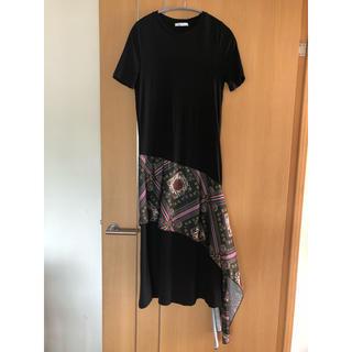 ザラ(ZARA)のZARA ロングワンピース ブラック スカーフ付き Tシャツ コットン ザラ(ロングワンピース/マキシワンピース)