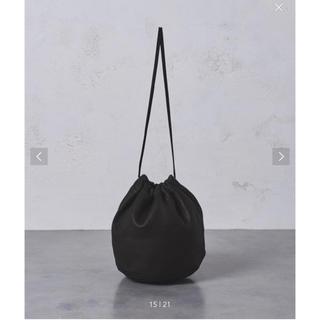 ユナイテッドアローズ(UNITED ARROWS)のフィルザビル レザー 巾着 黒 ブラック(ハンドバッグ)
