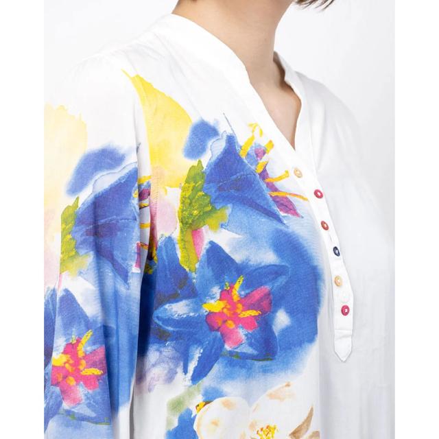 DESIGUAL(デシグアル)の新品 デシグアル ブラウス シャツ  Mサイズ トロピカルミックス柄 ホワイト レディースのトップス(シャツ/ブラウス(長袖/七分))の商品写真