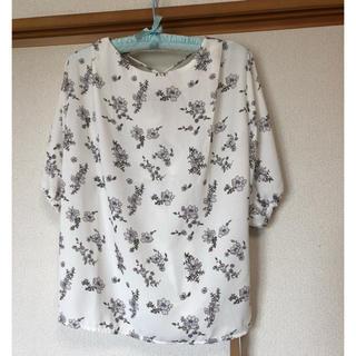 オゾック(OZOC)のオゾックの花柄バックレースアップブラウス(シャツ/ブラウス(長袖/七分))