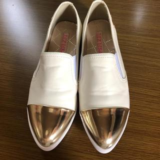 リズリサ(LIZ LISA)の未使用☆リズリサ つま先メタリック白ローファー(ローファー/革靴)