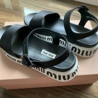 miumiu - MIUMIU サンダル 大人気♡