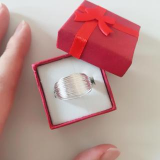 フリーサイズ 指輪 リング シルバーカラー ゴツメ ワイヤー レディース メンズ(リング(指輪))
