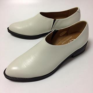 エボニーアイボリー(Ebonyivory)のカツカワ エボニーアイボリー ポインテッドシューズ 37サイズ 美品 リンネル (ローファー/革靴)