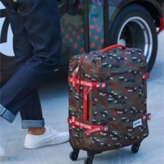 メゾンキツネ(MAISON KITSUNE')のメゾンキツネ スーツケース イーストパック キャリーバッグ 機内持ち込みサイズ(トラベルバッグ/スーツケース)