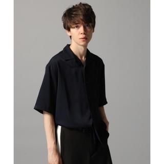 ハレ(HARE)のHARE サテンオープンネックシャツ カイキン(シャツ)