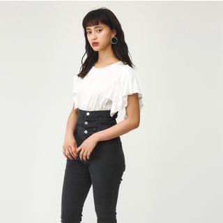 SLY - sly スライ 美品 ショルダーフリルTシャツ