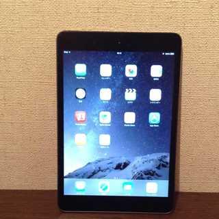 アップル(Apple)の他にも色々出品してます iPad mini Apple アップル 黒 銀(タブレット)
