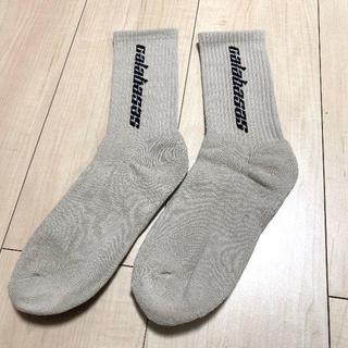 シュプリーム(Supreme)のカラバサス ソックス 靴下 ベージュ carabasasu (ソックス)