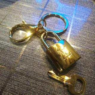ルイヴィトン(LOUIS VUITTON)のLouis Vuitton パドロック キーリング付き ルイヴィトン(キーホルダー)