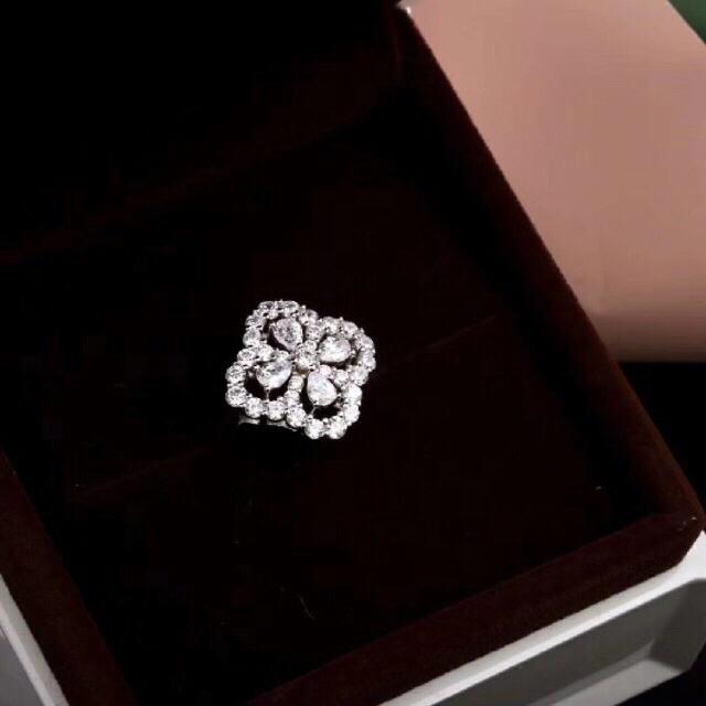 HARRY WINSTON(ハリーウィンストン)のループ バイハリーウィンストン フルストーンモチーフタイプ リング 指輪 レディースのアクセサリー(リング(指輪))の商品写真