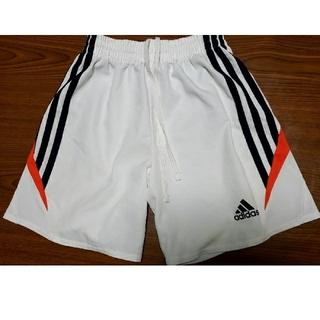 アディダス(adidas)の140 adidasトレーニングパンツ 白ハーフ短パン ナイキプーマサッカー男女(ウェア)