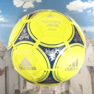 アディダス(adidas)のサッカーボールadidas5号球(ボール)