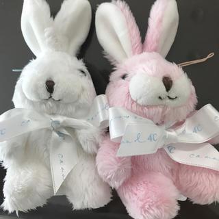 ヨンドシー(4℃)の【新品】4℃ ペアウサギの人形 (ぬいぐるみ/人形)