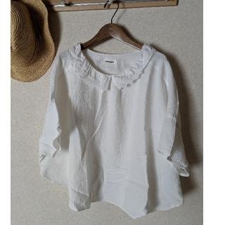 ツムグ(tumugu)のツムグ白トップス(Tシャツ(半袖/袖なし))
