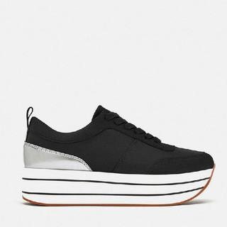 ザラ(ZARA)の 黒色 厚底 レジャー 運動靴(スニーカー)