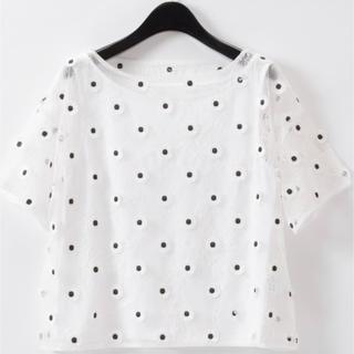グレースコンチネンタル(GRACE CONTINENTAL)の🌻grace continental 🌻刺繍ブラウス(シャツ/ブラウス(半袖/袖なし))