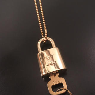 ルイヴィトン(LOUIS VUITTON)のルイヴィトン カデナ パドロックネックレス(ネックレス)