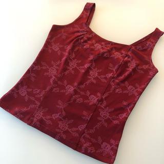 エイソス(asos)の赤い花柄トップス(カットソー(半袖/袖なし))