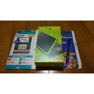 ニンテンドウ(任天堂)の送料込み 新品 Newニンテンドー2DS LL ブラック×ライム おまけ付き(携帯用ゲーム本体)