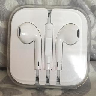 アップル(Apple)のiPhoneイヤフォン(ヘッドフォン/イヤフォン)