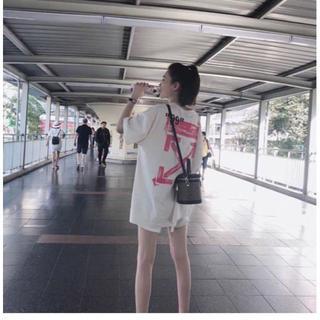 オフホワイト(OFF-WHITE)の OFF WHITE Tシャツ 半袖 メンズ レディース(Tシャツ(半袖/袖なし))